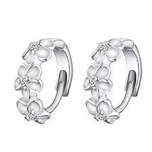 Elegant and dainty floral earrings, NWOT